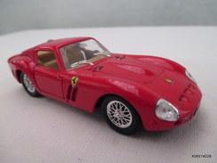 Voiture Miniature 1/43 Em  SOLIDO -   Ferrari 250 G T O  Peinture  Rouge   D'origine  Etat Proche Du Neuf - Toy Memorabilia