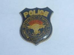 Pin's BADGE DE POLICE USA - Police