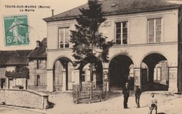 TOURS Sur MARNE   Mairie - France
