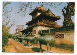 """Viet-Nam---- HUE -- Neuf """"vases Tripodes"""" Et Temple Du Prince - Vietnam"""