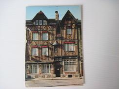 CPM  27  PONT-AUDEMER Maison Normande Place De Verdun  T.B.E. - Pont Audemer