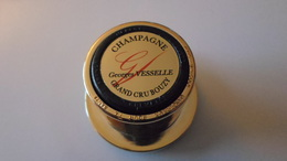 BOUCHONS A CHAMPAGNE  BOUCHON BULLE HERMETIQUE  CHAMPAGNE GEORGES VESSELLE  A BOUZY  ****    A  SAISIR  ***** - Other Collections