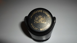 BOUCHONS A CHAMPAGNE  BOUCHON BULLE HERMETIQUE  CHAMPAGNE CUGNET  MAILLY MUTIGNY MARNE ****    A  SAISIR  ***** - Other Collections
