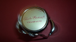 BOUCHONS A CHAMPAGNE  BOUCHON BULLE HERMETIQUE  CHAMPAGNE CHARLES HEIDSIECK ****    A  SAISIR  ***** - Other Collections