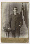 D339 Carte Cabinet Card CDV Grand Format Photo Vintage Homme Odessa Ukraine Dédicace Au Verso - Persone Anonimi