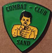 COMBAT - CLUB - SAND - ARME - GUN - PISTOLET -            (19) - Police