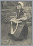 BE.- Kantklossen. Brugge Kantwerkster. BRUGGE 1900. Uitgever Thill, N.V. Brussel. 500/810 - Ambachten