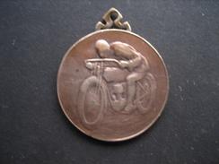 Médaille De 1926 CONCOURS DU LITRE D'ESSENCE AUTO MOTO CLUB De MARCHE - Motos