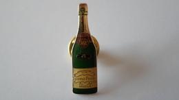 PINS  CHAMPAGNE LAURENT PERRIER  TOURS SUR MARNE     ****      A SAISIR ***** - Beverages