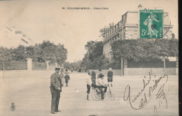 93 --  Villemomble -- Place Julie - Villemomble