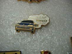 Pin's Arthus Bertrand, Renault 25 De Couleur Bleue Foncée. Le Sourire En Plus, RENAULT POMPE - Arthus Bertrand