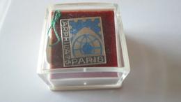 PINS ARTHUS BERTRAND  ARPHILA 75  PARIS   EN ARGENT    ****   RARE     A SAISIR ***** - Arthus Bertrand