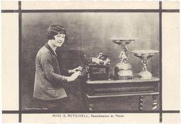 Carte Commerciale : Machine à Ecrire Française MAP, Miss E. Mitchell Recordwoman Du Monde - Advertising