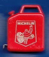 MICHELIN METRE GADGET PUBLICITAIRE USAGE AVANT 2000 - SUR NOTRE SITE Serbon63 DES MILLIERS D'ARTICLES SONT EN VENTES - Advertising