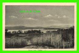 BROME LAKE, QUÉBEC - VUE DU LAC & CHALETS - PECO - CIRCULÉE EN 1945 - Quebec