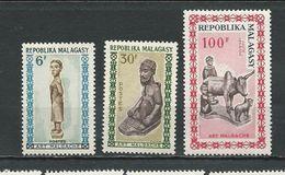 MADAGASCAR  Scott 358-359, C79 Yvert 397-398, PA96 (3) ** Cote 3,50 $ 1964 - Madagascar (1960-...)