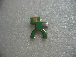Pin's Embleme Des Transports Heppner, Transports De Mesagerie - Transportation