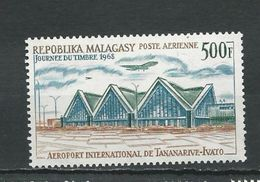 MADAGASCAR  Scott C89 Yvert PA105 (1) ** Cote 6,80 $ 1968 - Madagascar (1960-...)