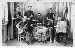 Musique.Accordéon Orchestre:    Jazz .Musette :    Ferrals Lès Corbières 11     Photo        (voir Scan) - Musique Et Musiciens
