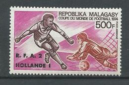 MADAGASCAR  Scott C130 Yvert PA133 (1) ** Cote 6,50 $ 1974 Surcharge - Madagascar (1960-...)