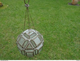 Luminaire Ancien -globe -poids 2.172 Kg -eclat Sur Une Facette - Lamps