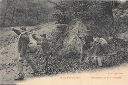 GENDARMES Ou DOUANIERS - A LA FRONTIERE - ARRESTATION DES CONTREBANDIERS (pistolet Révolver)- L.S. Edit HAUMONT - Police & Gendarmerie
