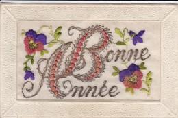 FANTAISIE----BONNE BONNEE--( Carte Brodée Avec Des Fleurs )--voir 2 Scans - Bordados