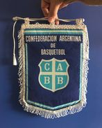 BASKETBALL ARGENTINA   OFFICIAL  PENNANT 33 X 23 Cm - Sports