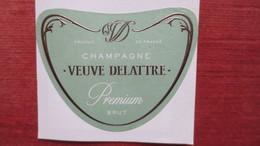 ETIQUETTE CHAMPAGNE VEUVE DELATTRE (Scans) - Champagne