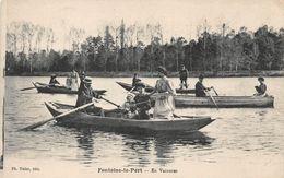 FONTAINE LE PORT - En Vacances - Barques - France