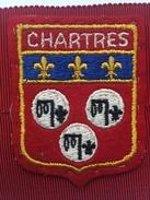 """CHARTRES ( France )""""ancien écusson  En Tissu Brodé Année 60/70. - Ecussons Tissu"""