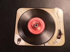 Musique, Disque Vinyle, Papier Cartonné Prédécoupé - Suisse
