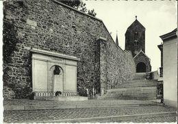 Lobbes -- Le Monument Et Les Escaliers De L' Eglise.  (2 Scans) - Lobbes
