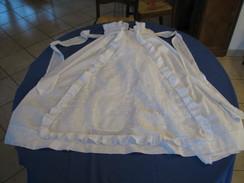 16 - Robe De Baptème Ancienne, Brodée - Bambini