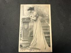 Femme Antiquité - 1903 Timbrée - Silhouettes