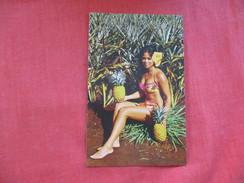 > Pin-Ups ==  === Golden Girl With Hawaiian Pineapple--ref 2799 - Pin-Ups
