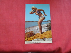> Pin-Ups ==  ===Florida For Sun & Fun--ref 2799 - Pin-Ups