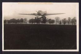 CPA AVIATION -   Carte Photo ANDRE - COUZINET Type 30 à L'atterrissage - MERMOZ - ....-1914: Précurseurs