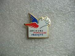Pin's Du Secours Populaire Francais - Medical