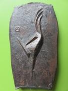 285 – Trophée D'Art – Coq Desing Sur Plaque En Fonte - Sculptures