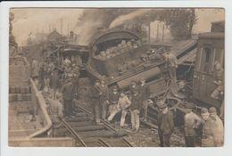 SOMAIN - NORD - CARTE PHOTO - ACCIDENT DE TRAIN EN GARE DE SOMAIN LE 12 JUILLET 1919 - CATASTROPHE - Autres Communes