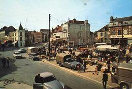 ROMILLY SUR SEINE - La Place Des Martyres, Marché, Tub Citroën, DS - Romilly-sur-Seine