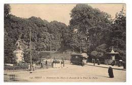 29 FINISTERE - BREST Monument Des Morts Et Avancée De La Place Des Portes - Brest