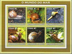Mozambique MNH Snails Imperforated Sheetlet - Postzegels