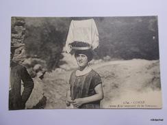 CORSE-Jeune Fille Revenant De La Fontaine - Corse