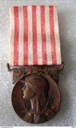 Médaille Commémorative 1914-1918...Voir Scan - France