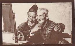 AK Tovvini - Amore Non Invecchia - Altes Ehepaar Vor Dem Spiegel (32509) - Paare