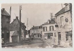 CPSM 14 LUC SUR MER Place De La Croix - Luc Sur Mer