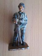 Figurine Métal DEL PRADO Guerre 39/45 65 Mm : PARACHUTISTE ALLEMAND 1944 - Army