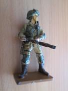 Figurine Métal DEL PRADO Guerre 39/45 65 Mm : PARACHUTISTE US 1944 NORMANDIE - Army